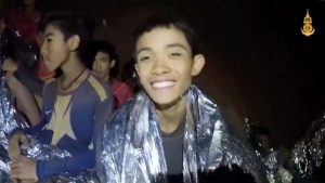 Rescue Thai boys from cave